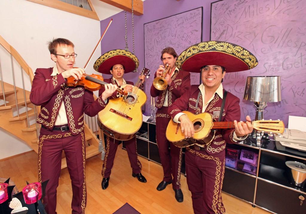 Die Mariachi Band in der Küche
