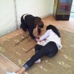 Voller Körpereinsatz bei den Vorbereitungen für das Stadtfest 2013